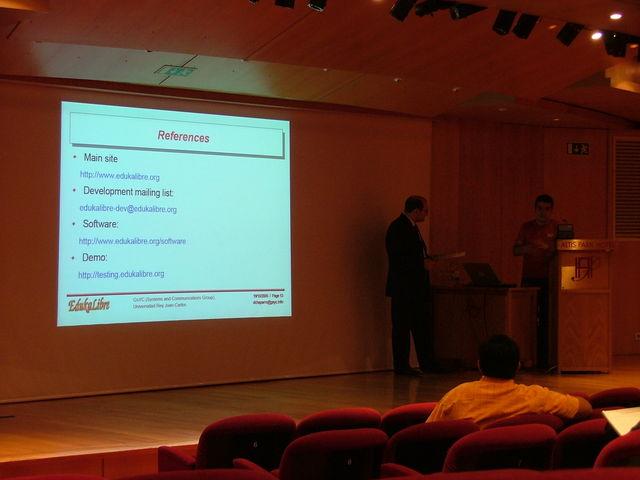 Presentación Edukalibre en el IADIS 2005